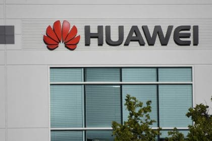 Trump Bans Huawei in US Markets, Saying Chinese Firm Poses Security Threat