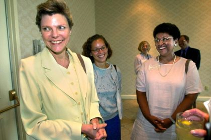 Cokie Roberts, Longtime Political Journalist, Dies at 75