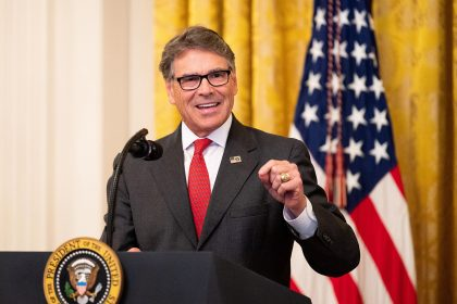 Energy Chief Perry Tells Trump He Plans to Leave Post Soon