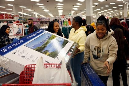 Online Sales Break Black Friday Record as Clicks Beat Queues