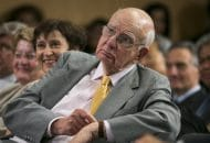 Ex-Fed Chair Paul Volcker, Tamer of Double-Digit Inflation, Dies