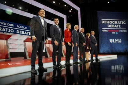Democratic Presidential Hopefuls Plan 92 Events in Iowa in January, Report Says