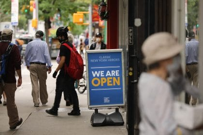US Jobless Claims Surge to Highest Number Since August