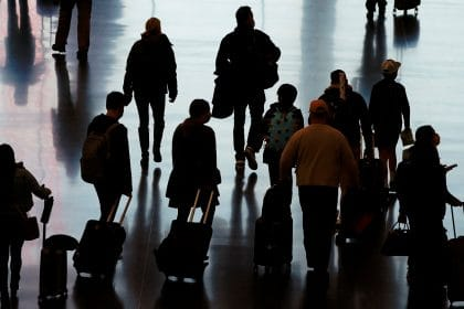 US Airport Traffic Rising Despite Holiday Travel Warnings