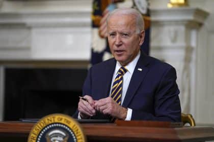 Biden to Sign $15 Minimum Wage for Federal Contract Workers