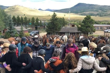 Women in the Rockies Use Horses for Healing